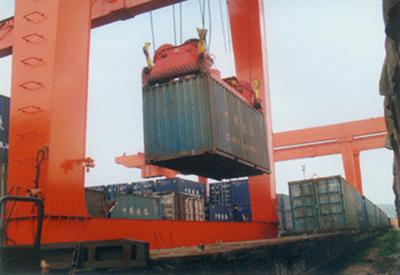 珍珠岩产品火车集装箱发运
